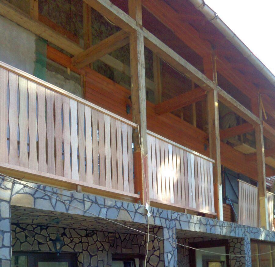 amenajare exterior lemn - inlocuire balustrada si elemente din lemn