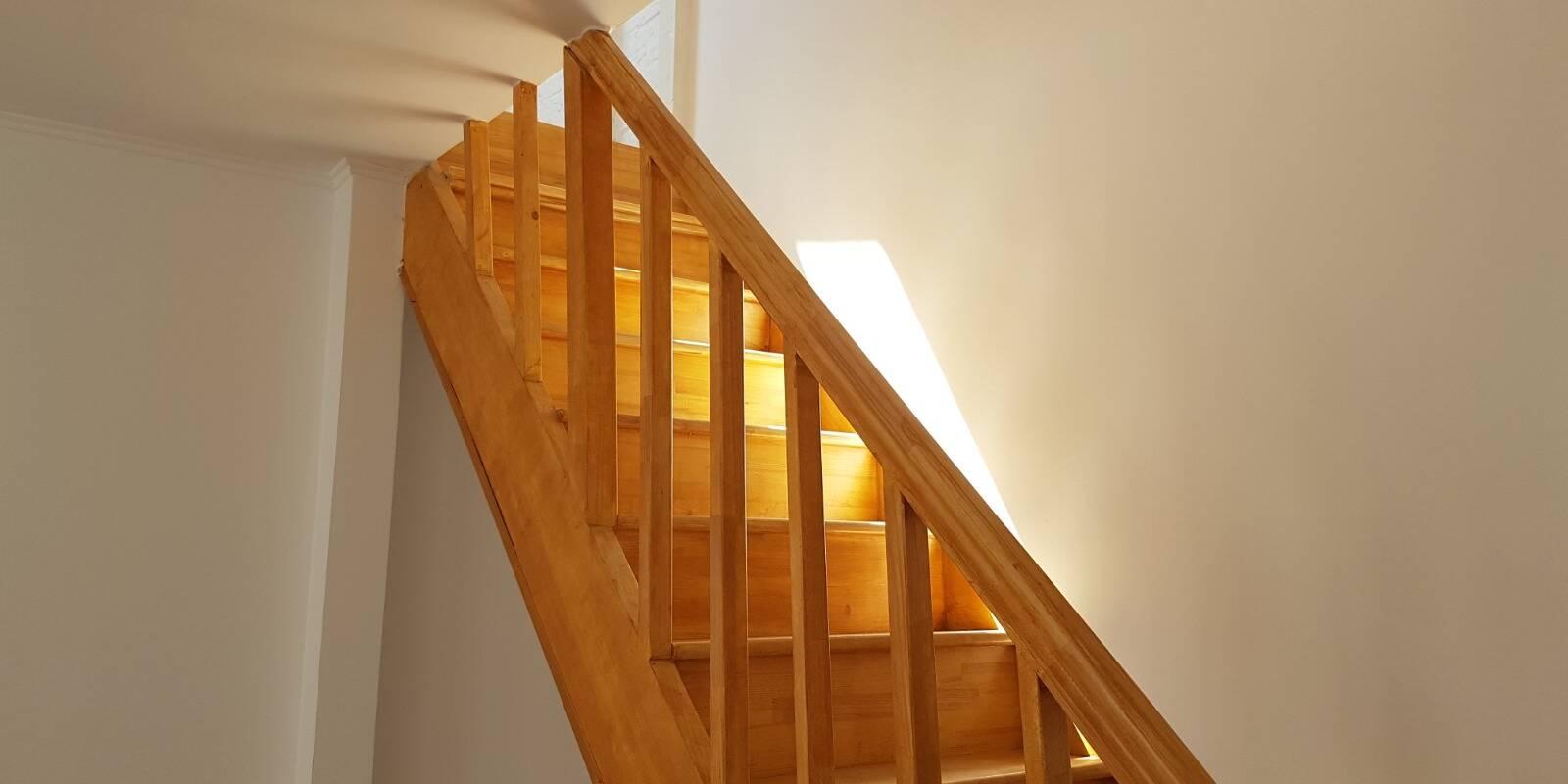scari interioare lemn case mici alma