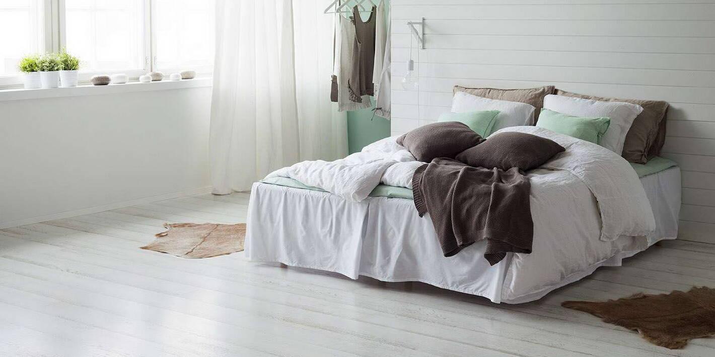 Parchet alb stejar tripluStratificat 3 Strip Shoreline alb - dormitor